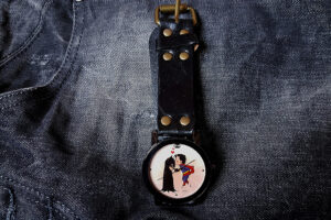 reloj gay superheroes